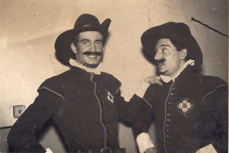 Merrie England 1959 - Peter Morrison and David Brock-Doyle as Long Tom and Big Ben